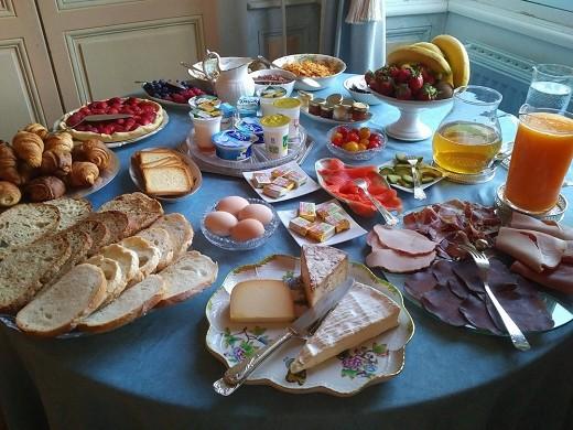 Château de vaulogé - breakfast