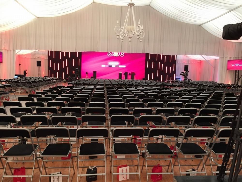 Parc asterix convenciones y seminarios - el capitol 1800 m²
