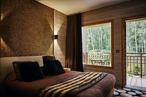 Das Hotelzimmer mit drei Eulen