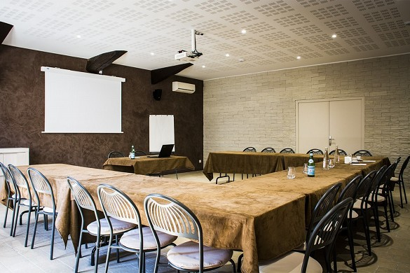 The beautiful echappée beauvaillon - meeting room