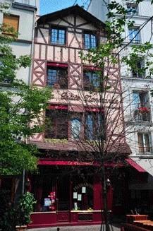 La fachada de pharamond paris.