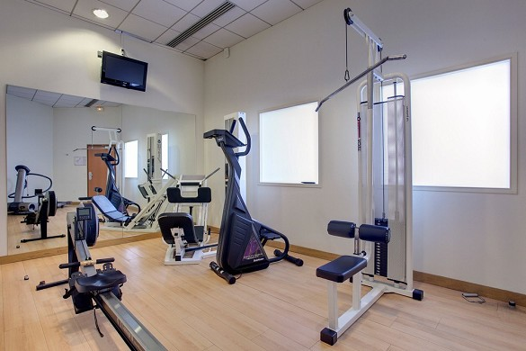 Best Western Plus Paris Saclay Hotel - fitness room