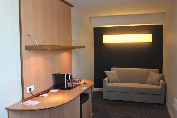 Best Western Plus Paris Saclay - Living Room Suite