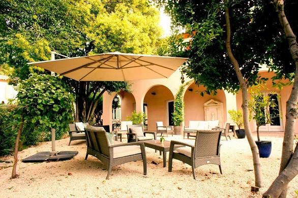 Best western l'Orangerie - terrace