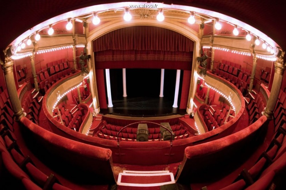 salle theatre bouffe parisien