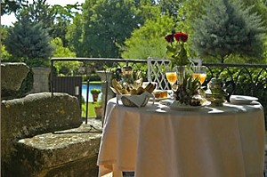 Chateau d arpallargues terrasse