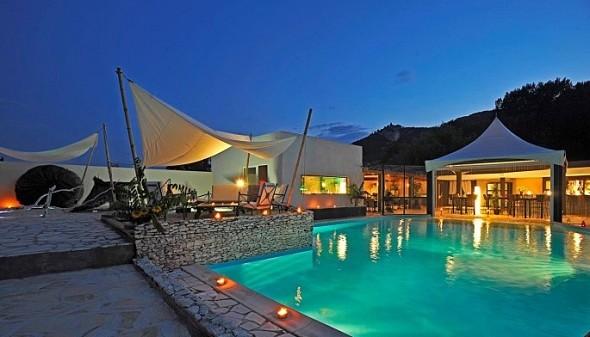Espacios para eventos de Castel - área de piscina