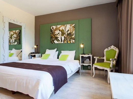Les Aubuns Country Hotel - Zimmer