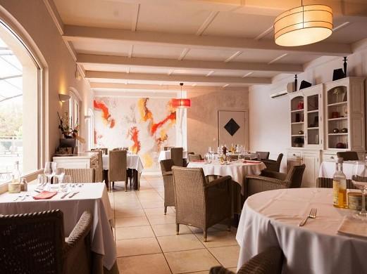 Les Aubuns Country Hotel - Restaurant