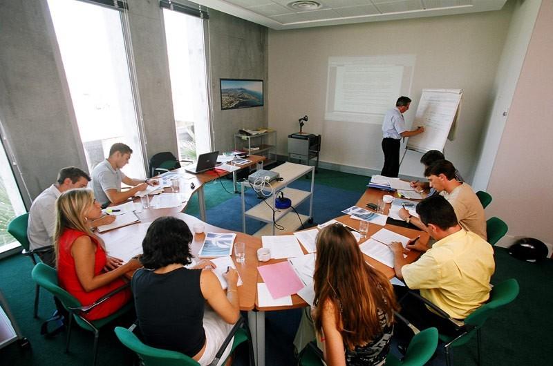 Nizza Flughafen Business Center - Organisation von Studientagen