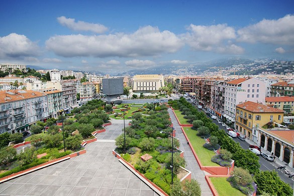 Campanile bel centro acropoli - ambiente