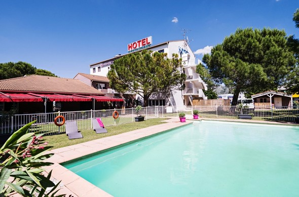 The originals city hotel le Relais d'Aubagne - swimming pool