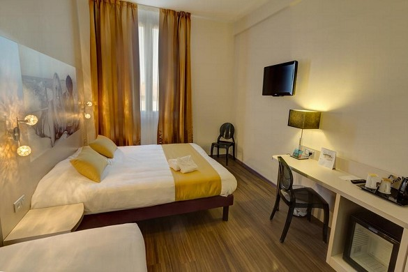 Hotel arles plaza - room