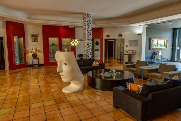 Hotel arles plaza - inside