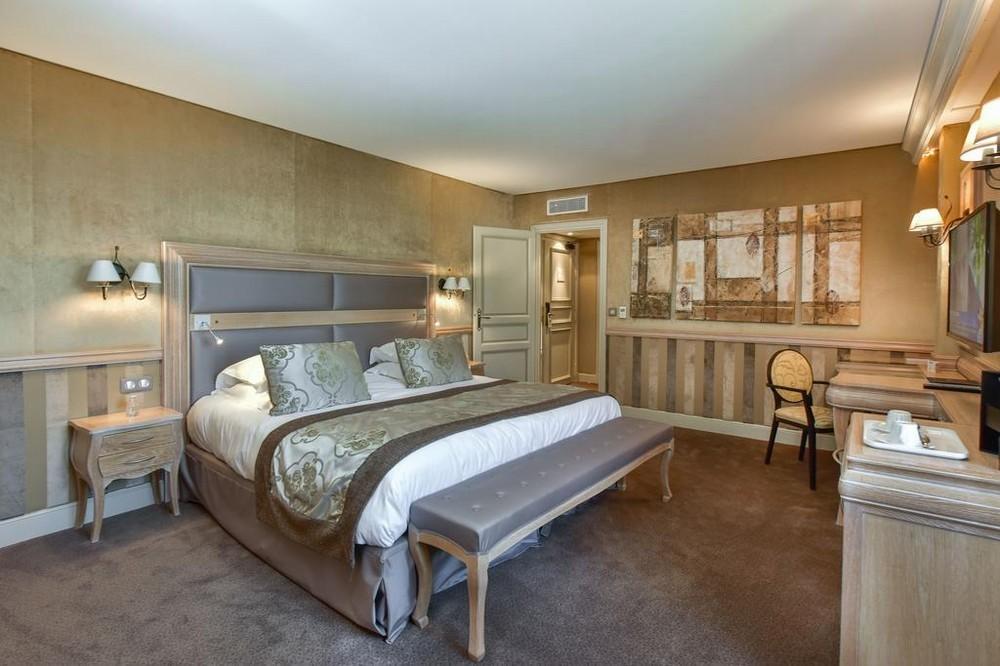 Castello di chailly room_9248