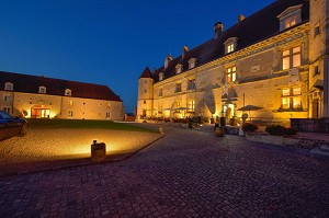 Chateau de Chailly Pouilly in Auxois in soiree_3766