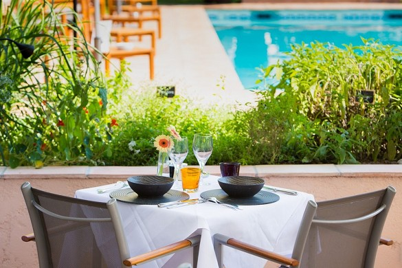 Hotel restaurant and spa cantemerle - cantemerle table