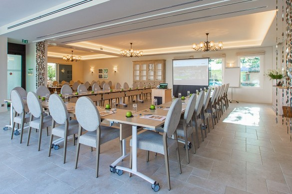 Cantemerle hotel restaurant and spa - bastide meeting room