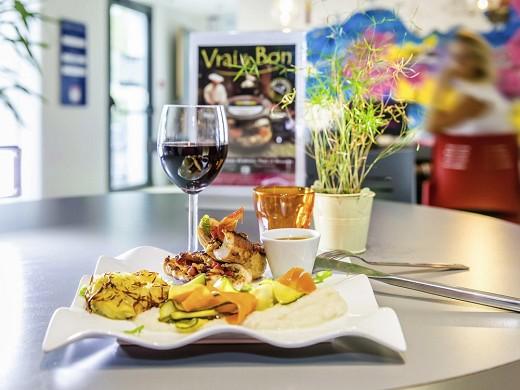 Ibis styles rennes saint-grégoire - restaurante