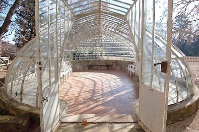 Chateau greenhouse valmousse