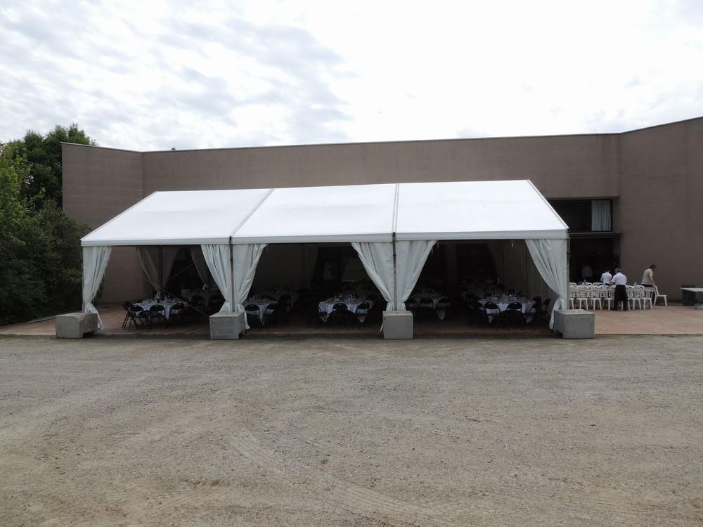 Convention Centre Fleuriaye - tendone sulla terrazza reau dei jeans