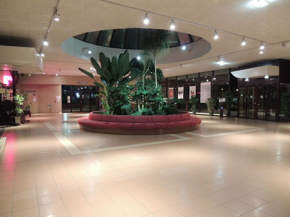 Centro congressi la fleuriaye - hall