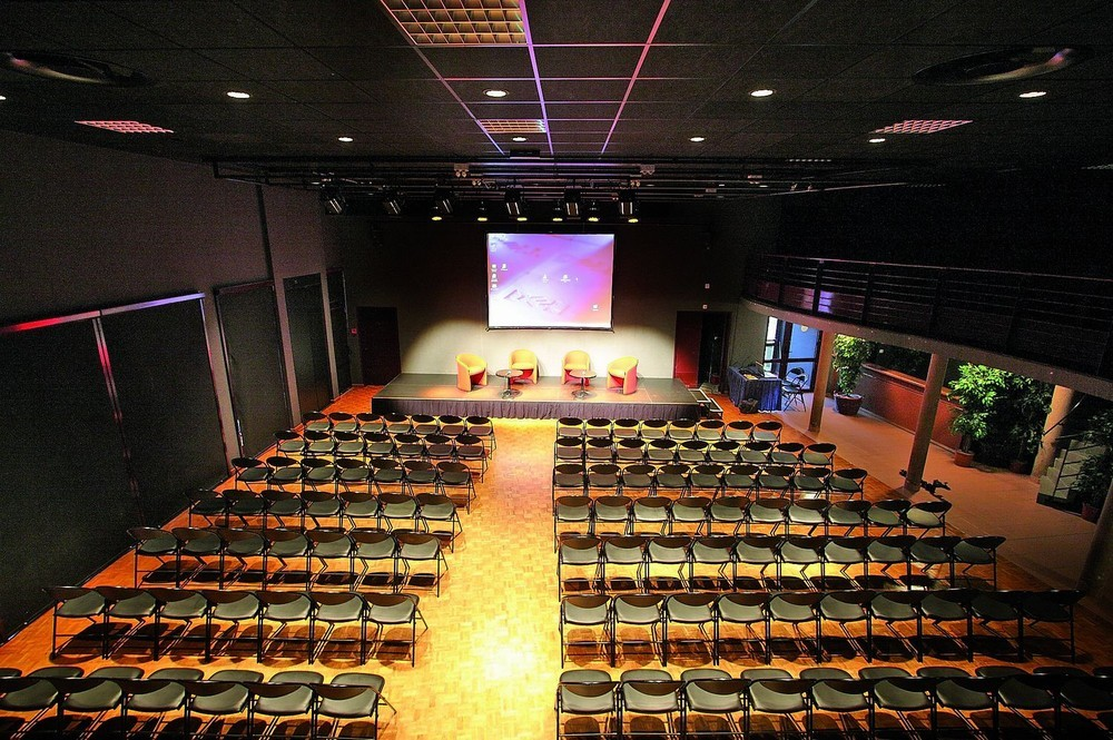 Convention Centre Fleuriaye - pranzo nicole etienne 150 partecipanti