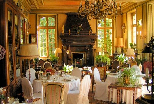 Chateau of large lounge moliens