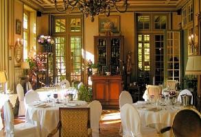 Castle restaurant moliens