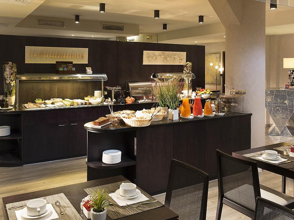 Hôtel m paris - salle petit déjeuner