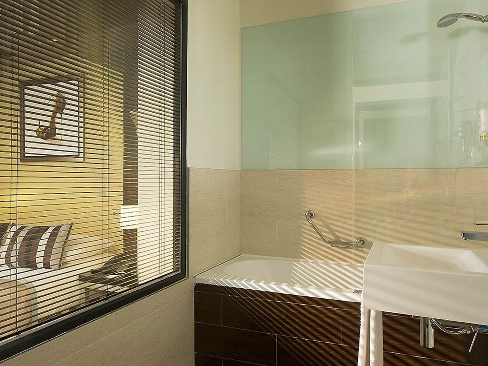 Hôtel m paris - salle de bain
