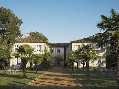Castle lassalle - hotel facade