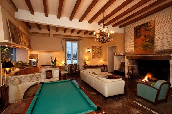 Château de lassalle - inside