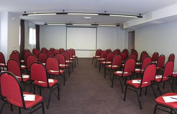 Best western plus hotel and spa in chassieu - seminar room