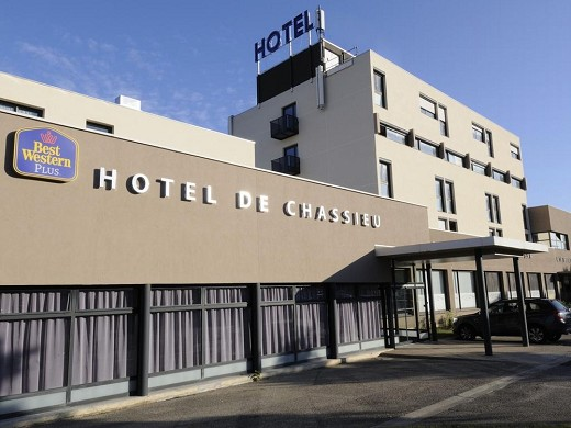 Best western plus chassieu hotel and spa - facciata dell'hotel