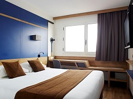 Hotel Median Paris Congrès - Guest room