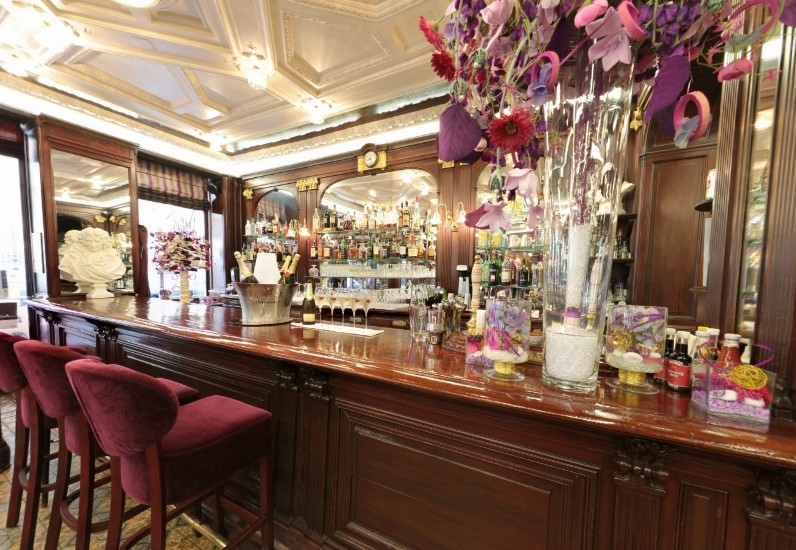 Restaurant Brasserie Valeur Sure Paris