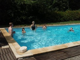 Lou prada salle s minaire auch 32 for Hotel piscine gers
