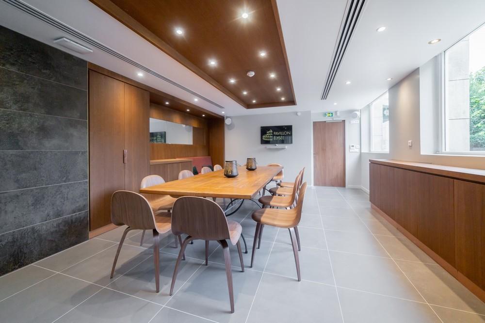 Elysee Pavilion - the instant tee - meeting room