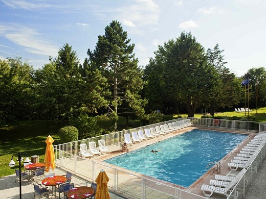 Novotel saclay - swimming pool