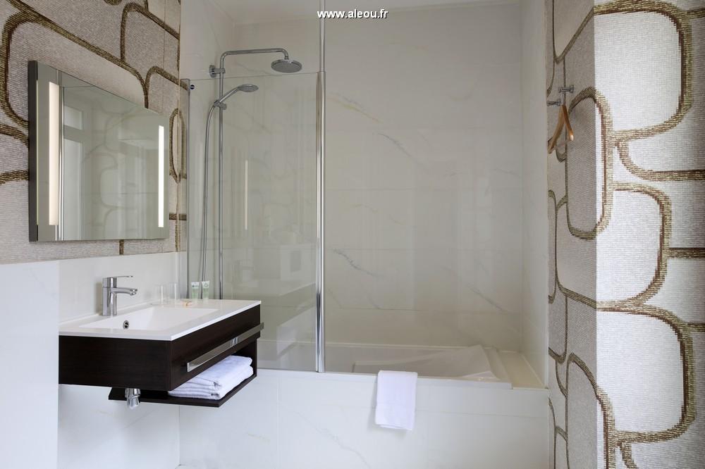 Best western ronceray opera - bathroom
