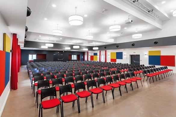 Azureva fréjus - sala plenaria