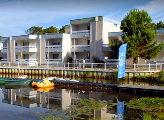 Azureva lacanau - lato esterno del lago