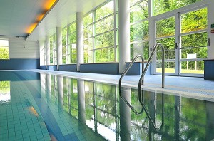 Les fontaines salle s minaire chantilly 60 for Piscine chantilly