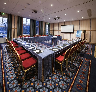 Business solutions - euro disney associes sas - business center