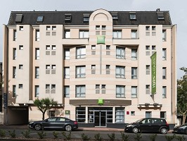 Ibis Styles Vichy Center - Front