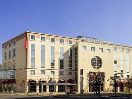 Ibis Vichy - Hotel Front