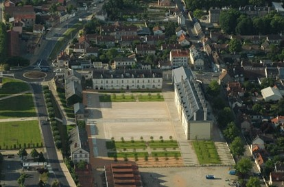 Centre national du Kostüm Szene de Mühlen nach oben