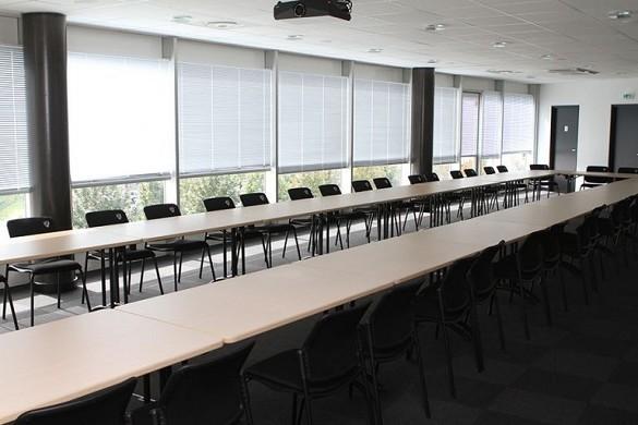 Estadio marcel michelin - sala de reuniones oeste