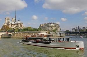 Las Vedettes de París - El barco